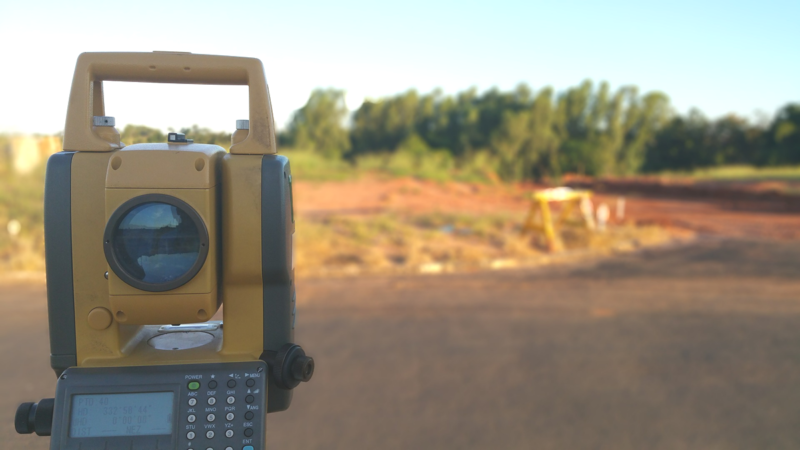 Geomatic surveying equipment