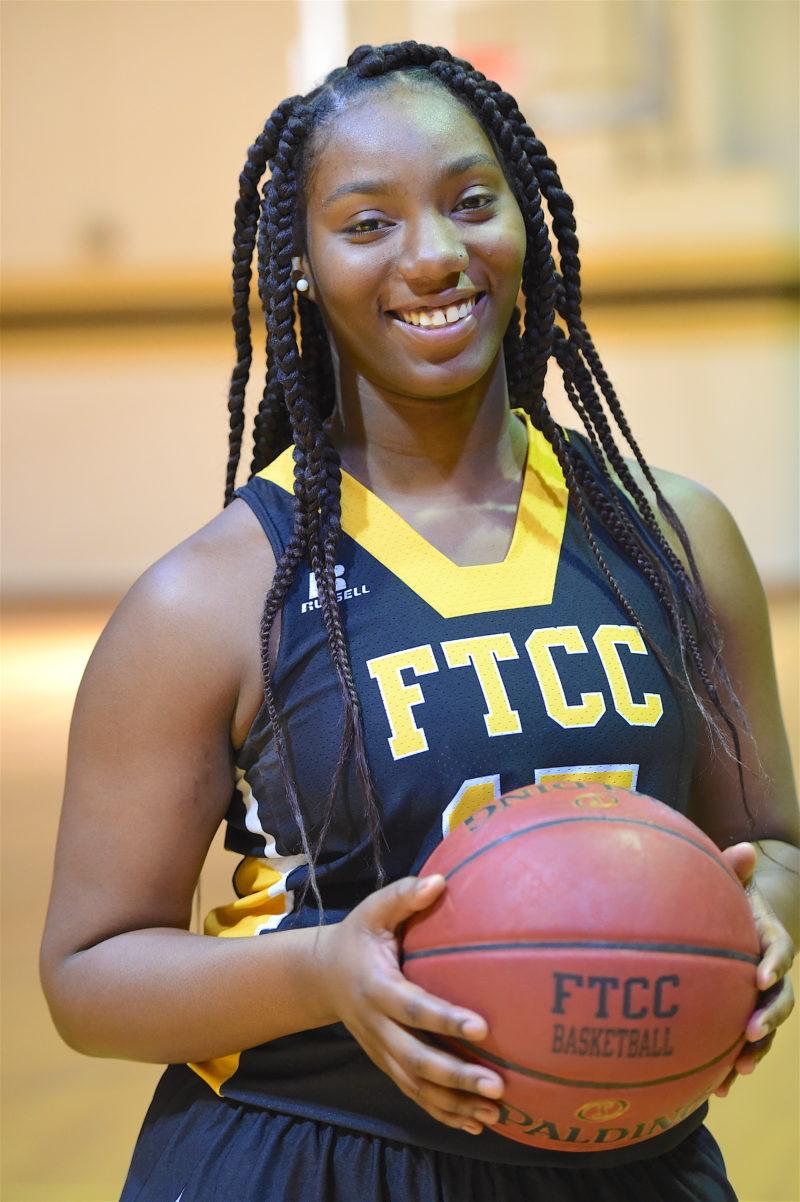 Emiyabrownwomensbasketball15