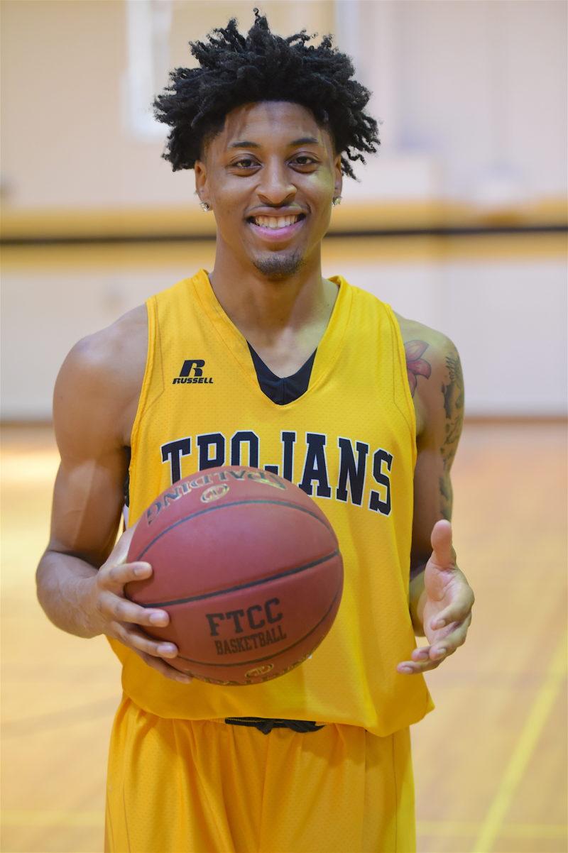 Tylerlloydmensbasketball4